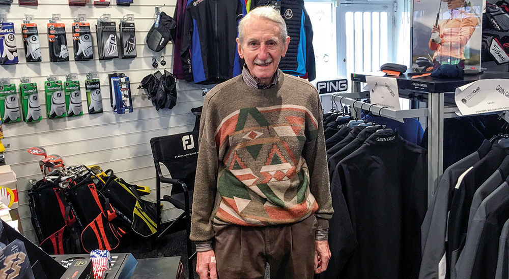 Amateur Ken makes first ace… at 90!