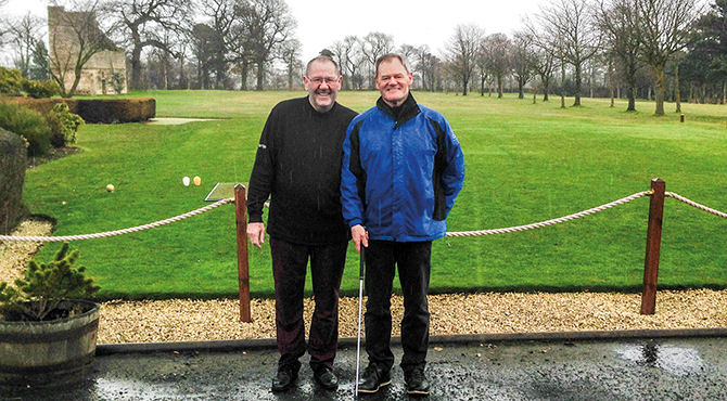An Edinburgh golf club member went the extra mile to ensure his seriously ill younger brother could play golf again… by donating one of his kidneys.
